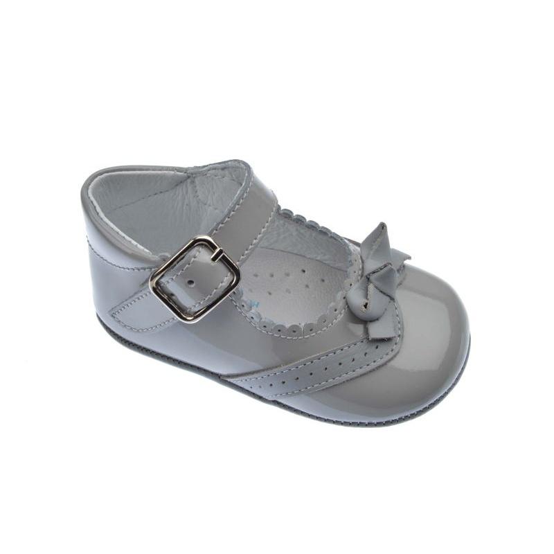 d23ed1b43a08a Merceditas de bebé gris perla charol Índice