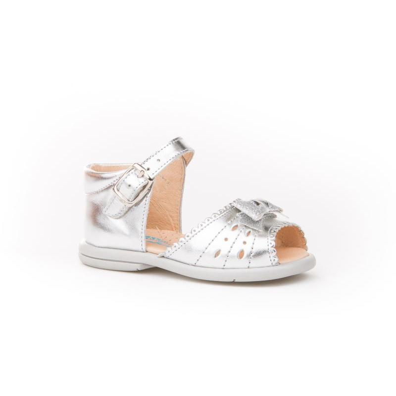 27597dcdae4 Sandalias de Niña talón cerrado color plata -Angelitos-